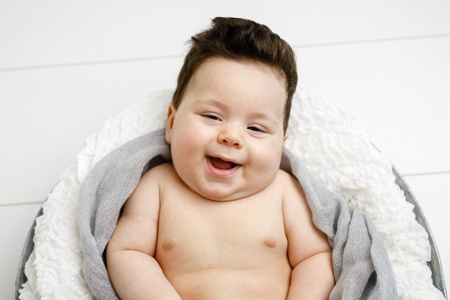 filip bebisfotograf barnfotograf bebisfotografering fotograf matfors sundsvall lisa hulling