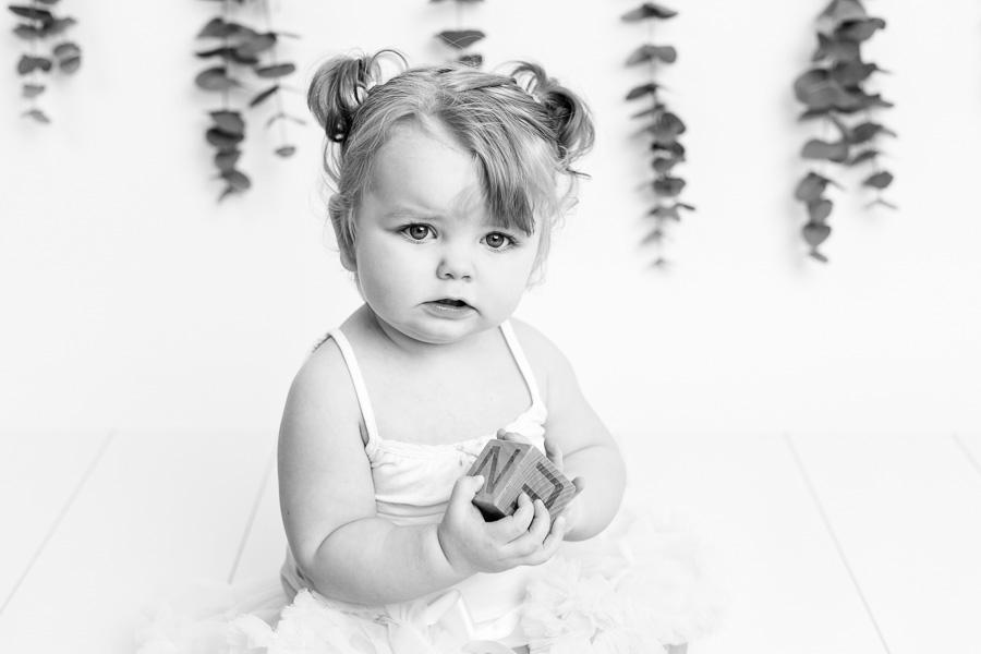 saga smash the cake barnfotograf fotograf barnfotografering fotograf sundsvall matfors lisa hulling