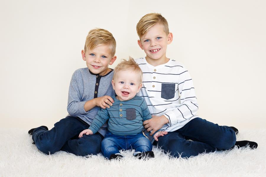 bröder broder syskonfotografering barnfotografering fotograf lisa hulling sundsvall matfors