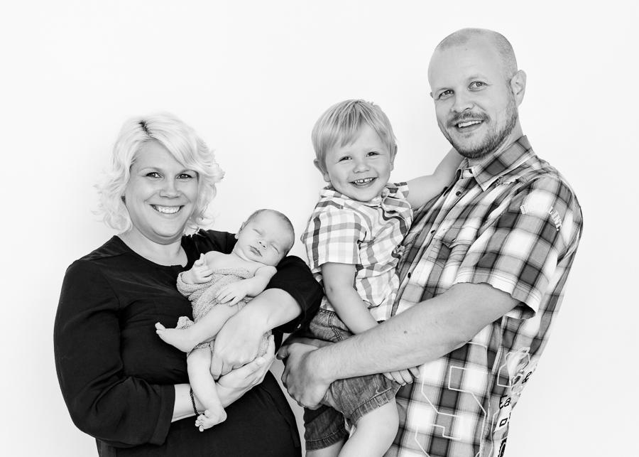 noah familjefotografering nyföddfotografering nyföddfoto nyföddfotograf fotograf sundsvall matfors lisa hulling